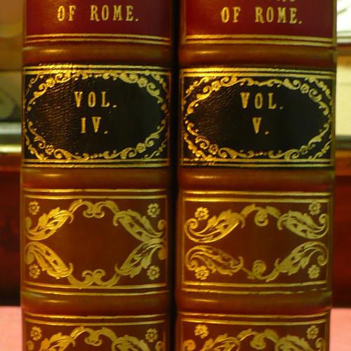 libri antichi in mezza pelle